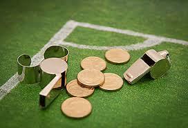 píšťalka peníze fotbal